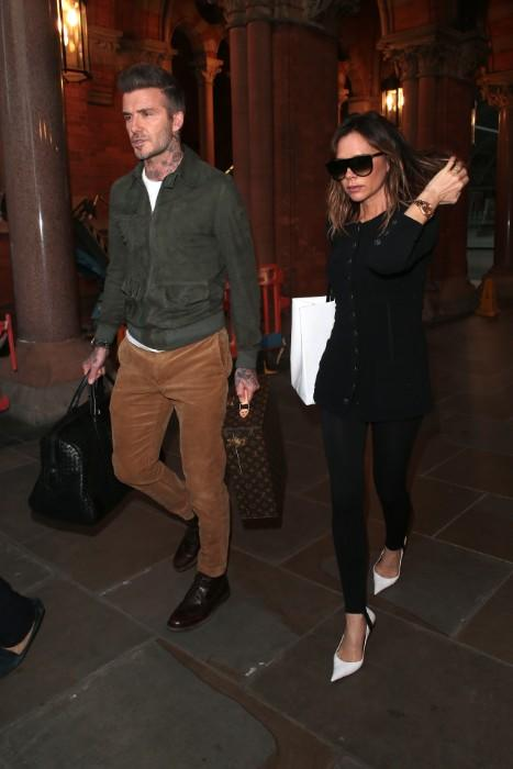 victoria-and david-beckham-walking
