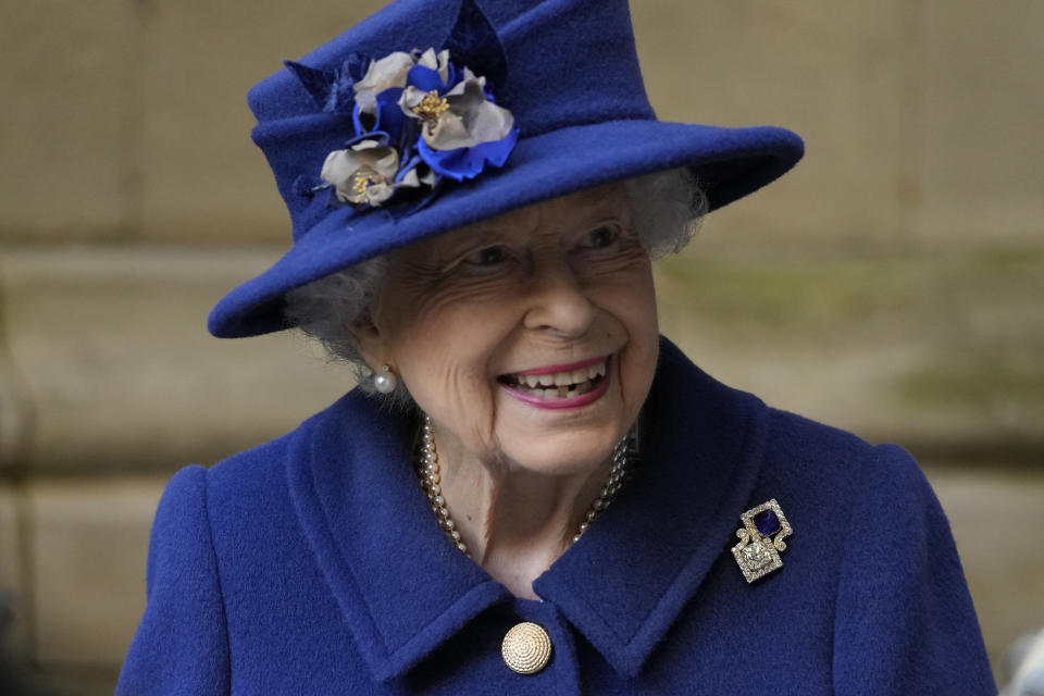 LONDON, ENGLAND - OCTOBER 12: Queen Elizabeth II leaves after attending a service of Thanksgiving to mark the centenary of The Royal British Legion at Westminster Abbey on October 12, 2021 in London, England. (Photo by Frank Augstein - WPA Pool/Getty Images)
