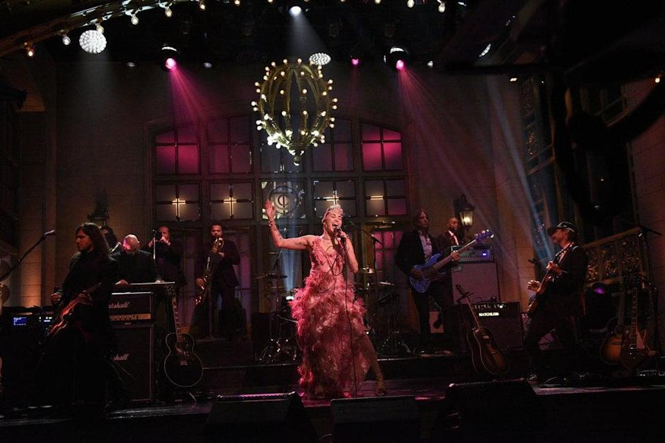 """Miley Cyrus Makes a Statement in a Sheer Pink Gown For """"Plastic Hearts"""" SNL Performance"""