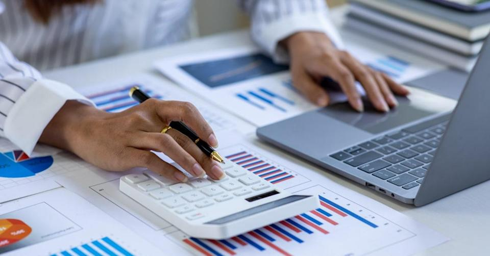 Financial Reporting Analyst Career Path