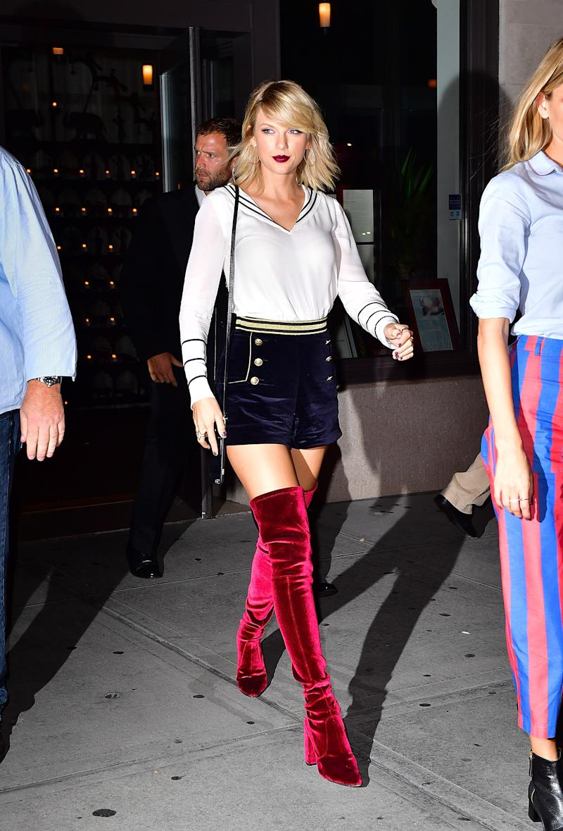 ba2ac00a Taylor Swift was channeling serious nautical vibes at Gigi Hadid's ...