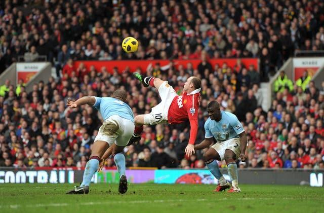 Wayne Rooney scores his famous overhead kick against Manchester City