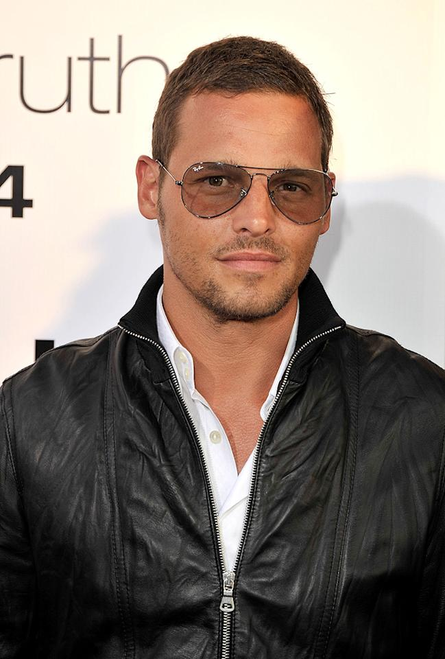 "<a href=""http://movies.yahoo.com/movie/contributor/1804383204"">Justin Chambers</a> at the Los Angeles premiere of <a href=""http://movies.yahoo.com/movie/1810021980/info"">The Ugly Truth</a> - 07/16/2009"