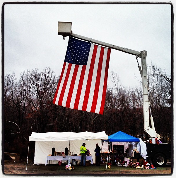 Temporary mobile American flag display, 10:50 a.m., Newtown, Connecticut. (Dylan Stableford/Yahoo! News)