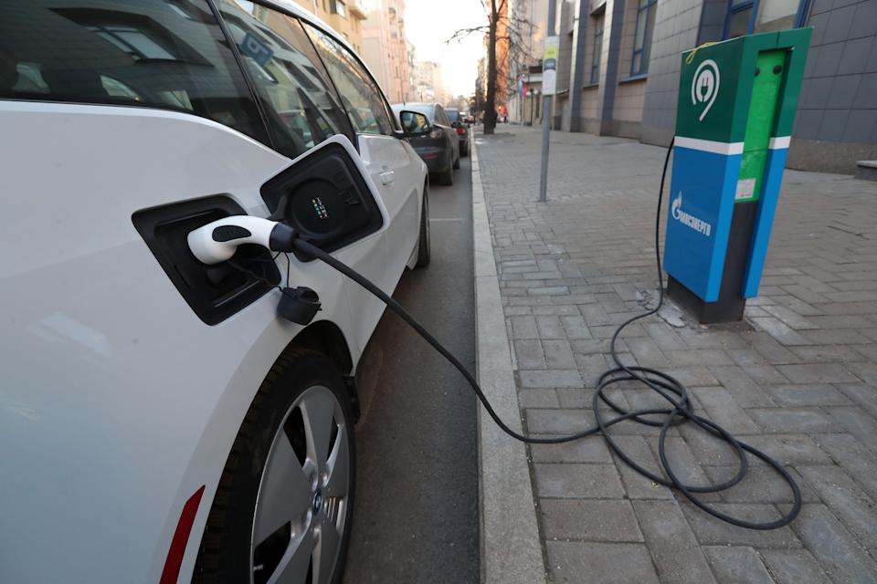 MOSCOW, RUSSIA - DECEMBER 10, 2020: An electric car is charged at a Mosenergo charging station in Moscow. Sergei Karpukhin/TASS (Photo by Sergei Karpukhin\TASS via Getty Images)