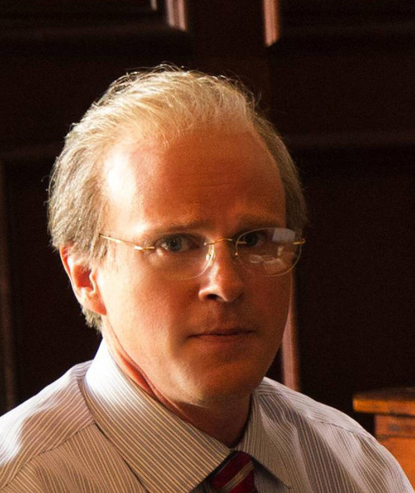 "Cary Elwes stars as E. Pierce in the Lifetime Original Movie, ""Anna Nicole."""