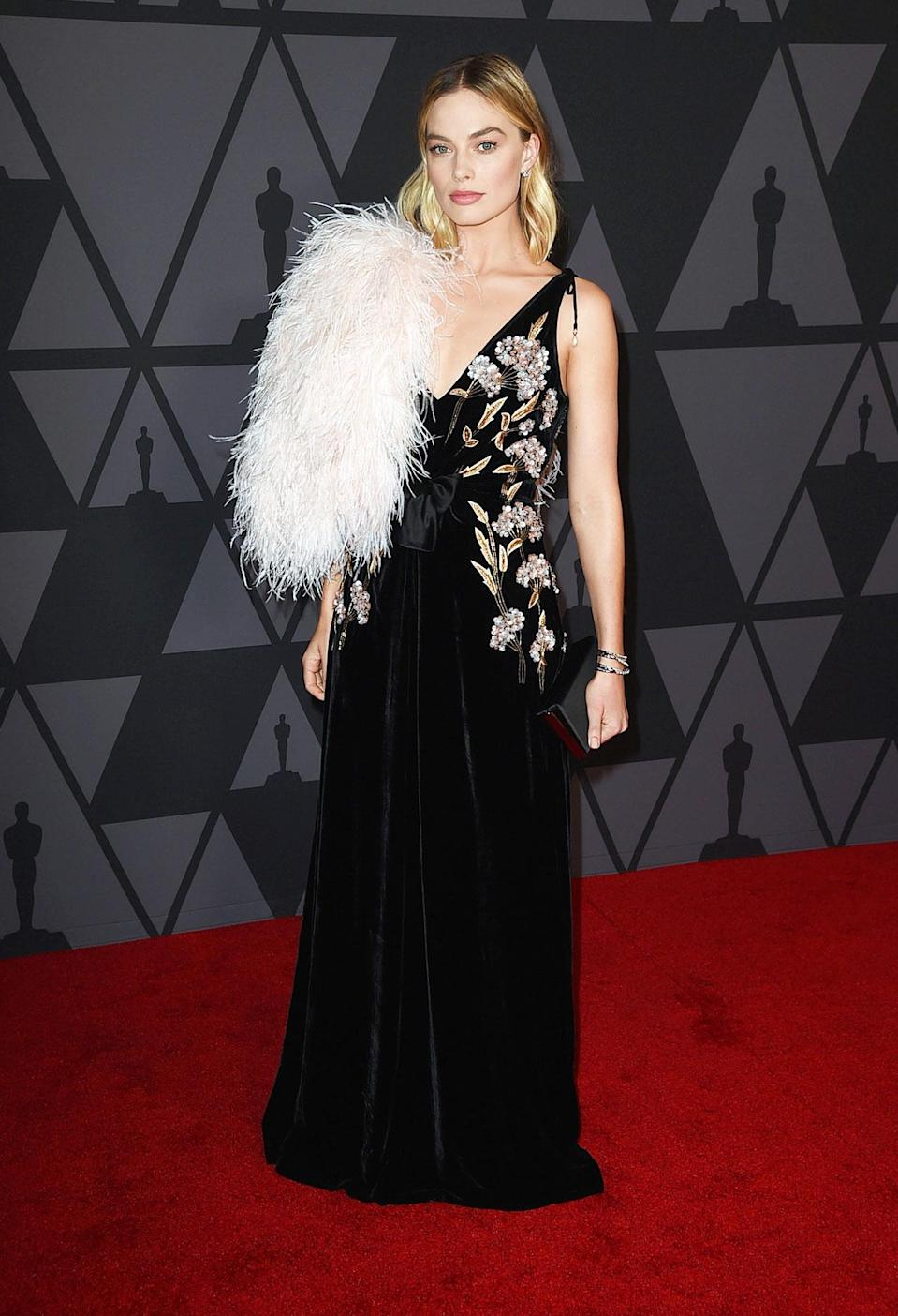 """<a rel=""""nofollow noopener"""" href=""""http://boxofstyle.thezoereport.com/"""" target=""""_blank"""" data-ylk=""""slk:Rachel Zoe Clutch for Box of Style, Rachel ZoeAt the Academy of Motion Picture Arts and Sciences' 9th Annual Governors Awards, Los Angeles, 2017."""" class=""""link rapid-noclick-resp"""">Rachel Zoe Clutch for Box of Style, Rachel Zoe<p>At the Academy of Motion Picture Arts and Sciences' 9th Annual Governors Awards, Los Angeles, 2017.</p> </a><a rel=""""nofollow noopener"""" href=""""http://boxofstyle.thezoereport.com/"""" target=""""_blank"""" data-ylk=""""slk:Winter 2017 Box of Style, Rachel ZoeAt the Academy of Motion Picture Arts and Sciences' 9th Annual Governors Awards, Los Angeles, 2017."""" class=""""link rapid-noclick-resp"""">Winter 2017 Box of Style, Rachel Zoe<p>At the Academy of Motion Picture Arts and Sciences' 9th Annual Governors Awards, Los Angeles, 2017.</p> </a>"""