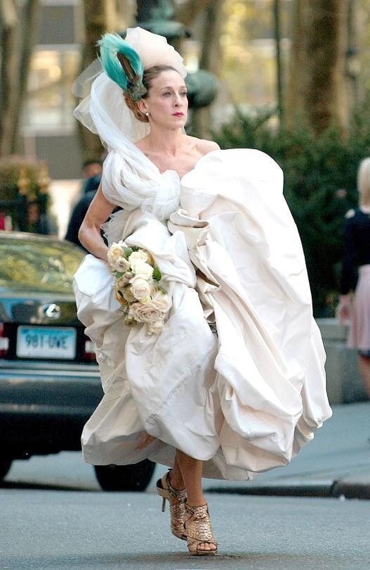 Dress Like Carrie Bradshaw On Your Wedding Day Courtesy Of Sjp