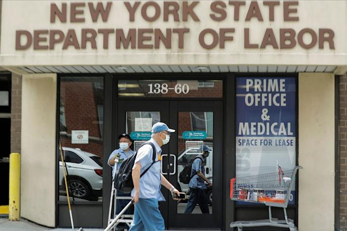 About 1.5 million laid-off workers applied for U.S. unemployment benefits last week, evidence that many Americans remain jobless even as the economy appears to be slowly recovering after abrupt business closures because of the coronavirus pandemic. (Photo: ASSOCIATED PRESS)