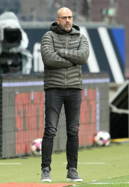 Peter Bosz shows his frustration during Saturday's 2-1 defeat at Eintracht Frankfurt