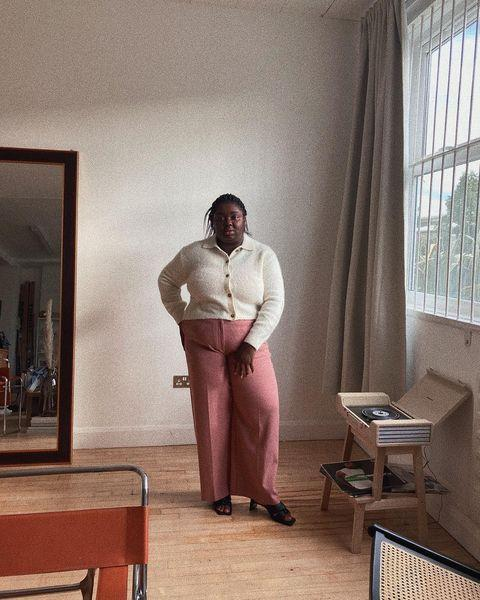 "<p>Abisola Omole does the 1970s right in pleat-front trousers and a collared cardigan.</p><p><a class=""link rapid-noclick-resp"" href=""https://go.redirectingat.com?id=127X1599956&url=https%3A%2F%2Fwww.stories.com%2Fen_gbp%2Fclothing%2Fknitwear%2Fcardigans%2Fproduct.wool-blend-tortoise-button-cardigan-white.0808325001.html&sref=https%3A%2F%2Fwww.elle.com%2Fuk%2Ffashion%2Fwhat-to-wear%2Fg34367820%2Fautumn-outfits%2F"" rel=""nofollow noopener"" target=""_blank"" data-ylk=""slk:SHOP CARDIGAN NOW"">SHOP CARDIGAN NOW</a> </p><p><a class=""link rapid-noclick-resp"" href=""https://go.redirectingat.com?id=127X1599956&url=https%3A%2F%2Fwww.marksandspencer.com%2Fhigh-waist-wide-leg-trousers%2Fp%2Fclp60274484&sref=https%3A%2F%2Fwww.elle.com%2Fuk%2Ffashion%2Fwhat-to-wear%2Fg34367820%2Fautumn-outfits%2F"" rel=""nofollow noopener"" target=""_blank"" data-ylk=""slk:SHOP TROUSERS NOW"">SHOP TROUSERS NOW</a></p><p><a class=""link rapid-noclick-resp"" href=""https://go.redirectingat.com?id=127X1599956&url=https%3A%2F%2Fshop.mango.com%2Fgb%2Fplus-size%2Fshoes-heeled-sandals%2Fstrappy-heeled-sandals_67006730.html&sref=https%3A%2F%2Fwww.elle.com%2Fuk%2Ffashion%2Fwhat-to-wear%2Fg34367820%2Fautumn-outfits%2F"" rel=""nofollow noopener"" target=""_blank"" data-ylk=""slk:SHOP MULES NOW"">SHOP MULES NOW</a></p><p><a href=""https://www.instagram.com/p/CE33MdogmEL/"" rel=""nofollow noopener"" target=""_blank"" data-ylk=""slk:See the original post on Instagram"" class=""link rapid-noclick-resp"">See the original post on Instagram</a></p>"