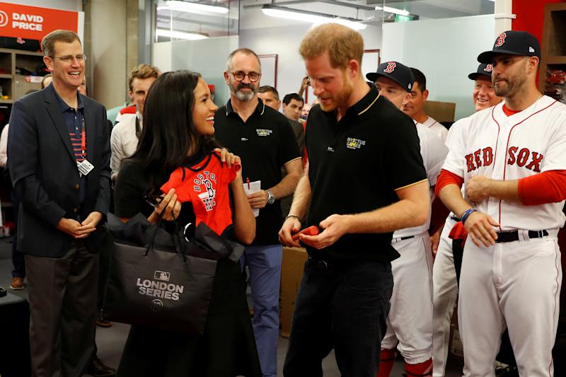 Both American baseball sides presented the royal couple with gifts for their firstborn [Image: Getty]