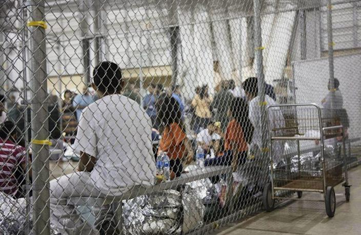 People in a Texas detention center. (Photo: AP)