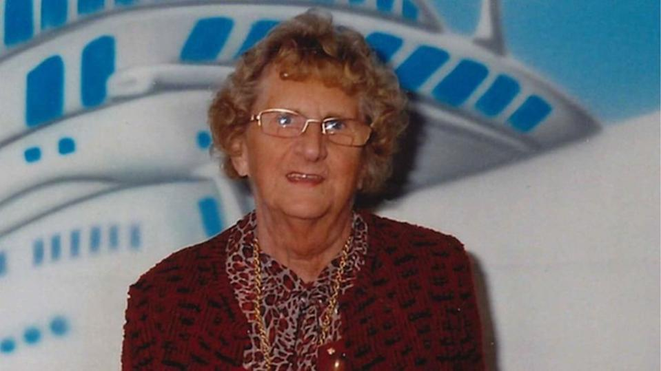 Joyce Burgess died in hospital three days after suffering arm, chest and face injuries during the attack (Family Handout)