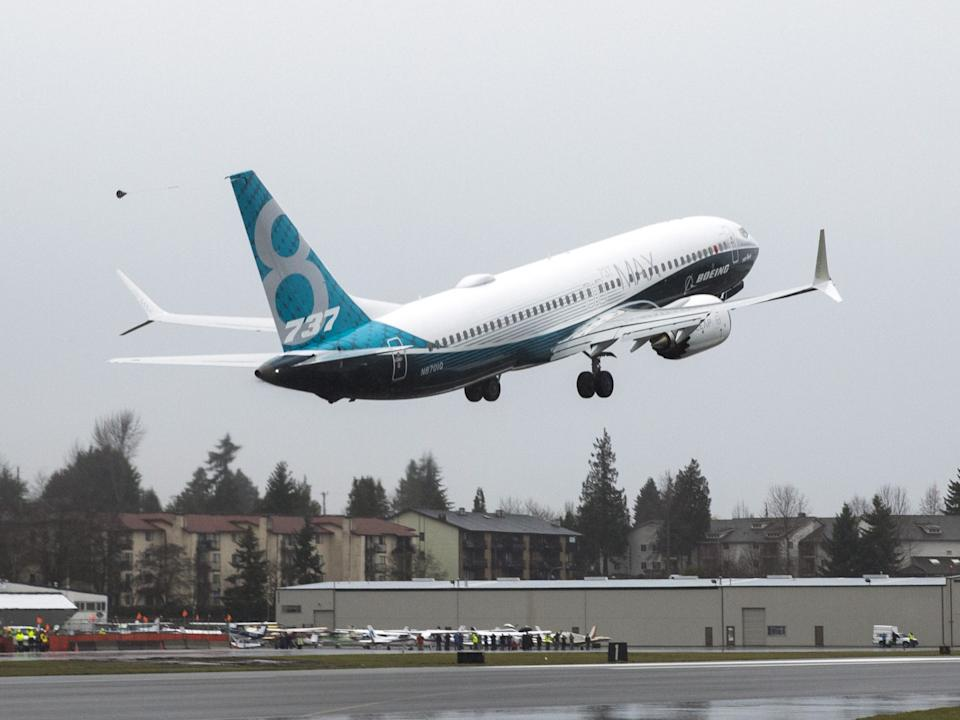 Boeing 737 MAX Take off