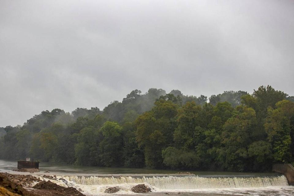 Environmental and federal groups have teamed up to remove Green River Lock and Dam No. 5 in Butler County, Ky. Monday, Sept. 20, 2021
