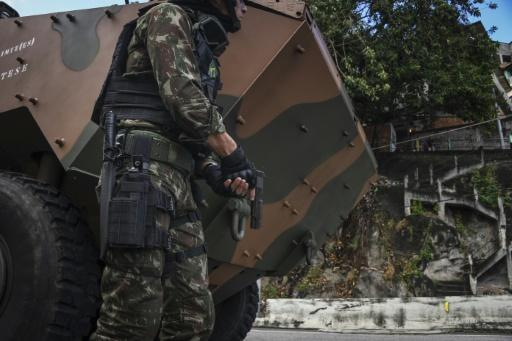 Brazilian army, police swoop on Rio suburb
