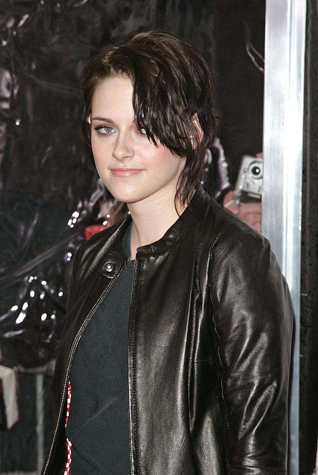 """<a href=""""http://movies.yahoo.com/movie/contributor/1807776250"""">Kristen Stewart</a> at the New York City premiere of <a href=""""http://movies.yahoo.com/movie/1810076910/info"""">Remember Me</a> - 03/01/2010"""