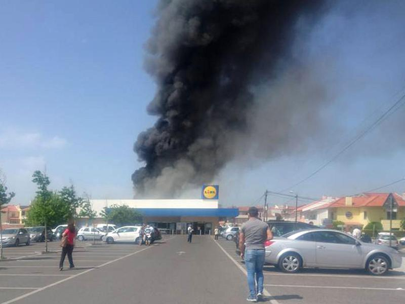 The private plane crashed in a Lidl car park in a residential area: Facebook/Fabio Miguel