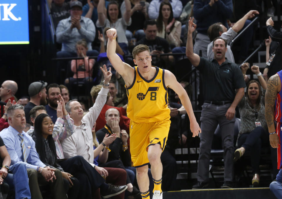The Warriors are reportedly set to fill one of their few roster holes on Monday by signing former Utah Jazz shooter Jonas Jerebko. (AP Photo/Kim Raff)