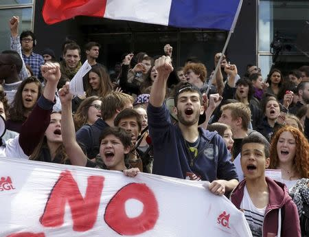 French students participate in a demonstration to protest against the results by France's far-right National Front political party in the European election in Paris May 29, 2014. REUTERS/Philippe Wojazer