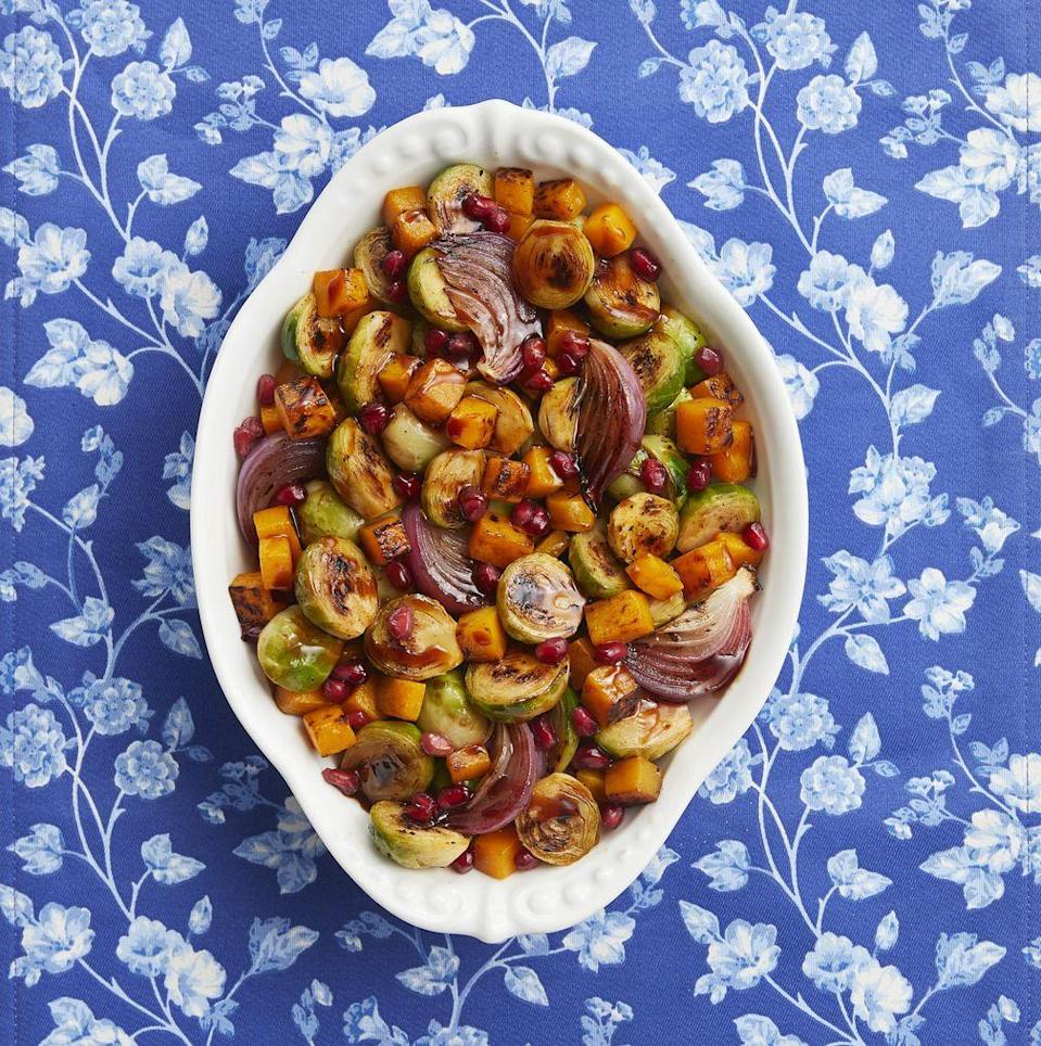 "<p>Make this flavorful, colorful side in no time at all. Just toss everything on a sheet pan and bake!</p><p><strong><a href=""https://www.thepioneerwoman.com/food-cooking/recipes/a80688/beautiful-brussels-sprouts/"" rel=""nofollow noopener"" target=""_blank"" data-ylk=""slk:Get the recipe."" class=""link rapid-noclick-resp"">Get the recipe.</a></strong></p><p><strong><a class=""link rapid-noclick-resp"" href=""https://go.redirectingat.com?id=74968X1596630&url=https%3A%2F%2Fwww.walmart.com%2Fsearch%2F%3Fquery%3Dpioneer%2Bwoman%2Bbaking%2Bdishes&sref=https%3A%2F%2Fwww.thepioneerwoman.com%2Ffood-cooking%2Fmeals-menus%2Fg33251890%2Fbest-thanksgiving-sides%2F"" rel=""nofollow noopener"" target=""_blank"" data-ylk=""slk:SHOP BAKING DISHES"">SHOP BAKING DISHES</a><br></strong></p>"