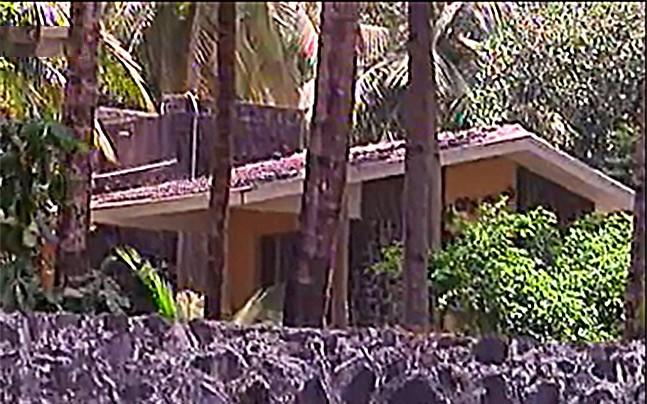 <p>Shah Rukh Khan has been accused of applying to purchase land for agriculture, but building a bungalow instead.</p>