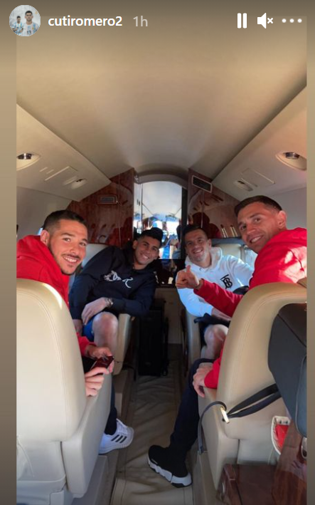 Cristian Romero on a plane with his Argentina team-mates