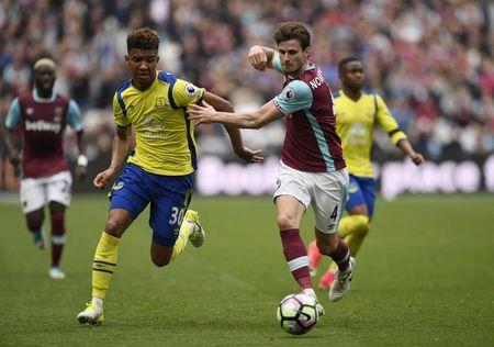 West Ham United's Havard Nordtveit in action with Everton's Mason Holgate