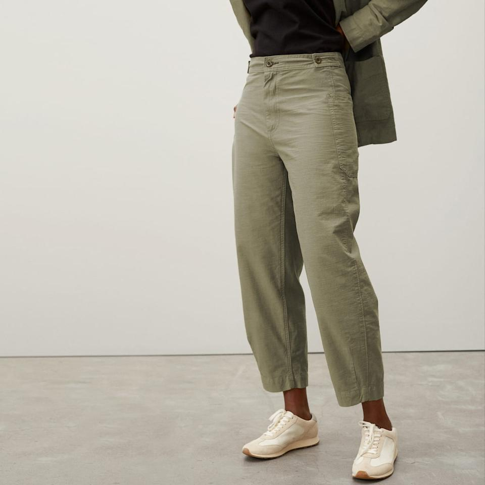 The Fatigue Barrel Pant in Bay Leaf. Image via Everlane.