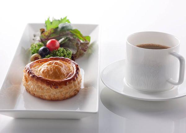 Their meat pie is baked until crisp in the café's kitchen. Home-made meat filling is especially delicious and is a specialty product.