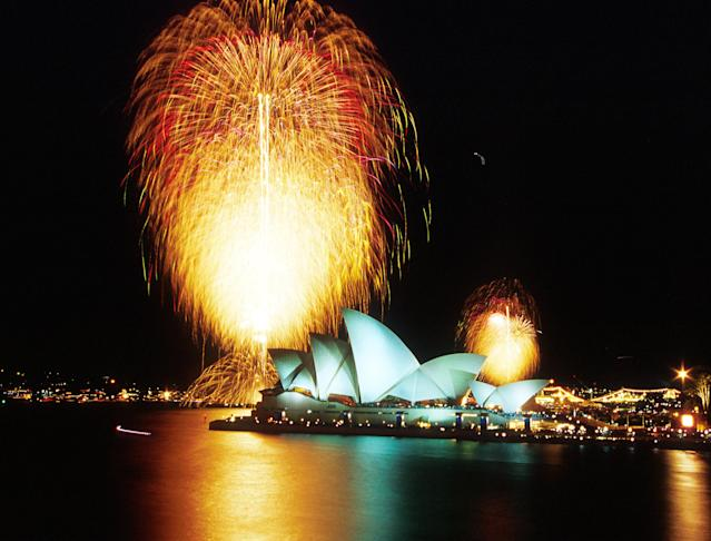 01 Oct 2000: The Sydney Harbour Bridge is lit up with Fireworks after the Closing Ceremony of the Sydney 2000 Olympic Games, Sydney Australia. Mandatory Credit: Matt Turner/ALLSPORT