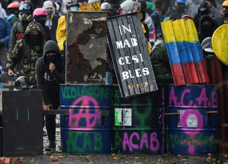The demonstrators are demanding an end to police repression and more supportive public policies to alleviate the economic impact of the Covid-19 pandemic