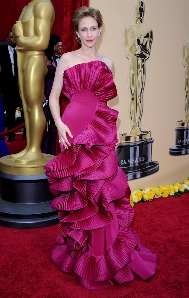 "Vera Farmiga   Grade: D+    The ""Up in the Air"" Best Supporting Actress nominee looked like she should be serving up sangria in her ruffled flamenco-style Marchesa gown."