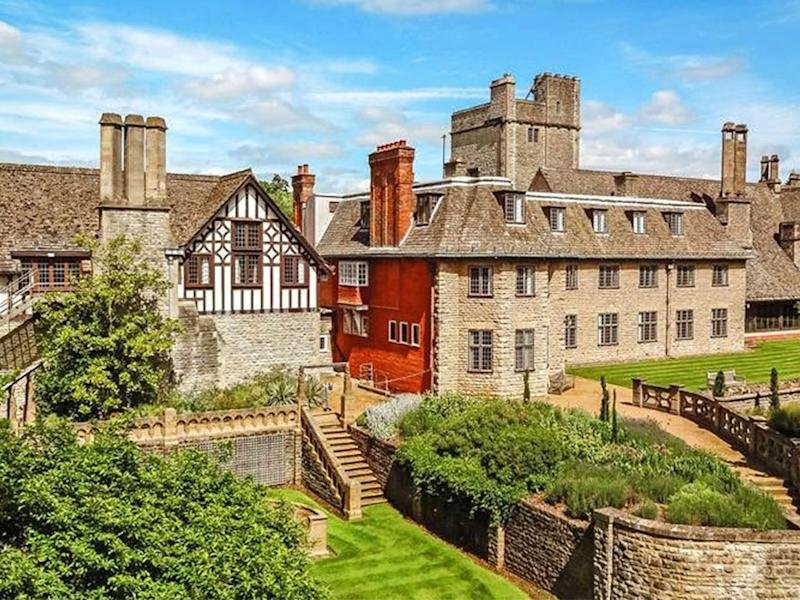 The new campus is to be set at Foxcombe Hall, a 19th century manor house and former home to the eighth earl of Berkeley: Peking University HSBC Business School