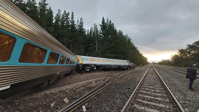 Two people are missing after a train derailed in Victoria. Source: Twitter/Dr Scott Rickard