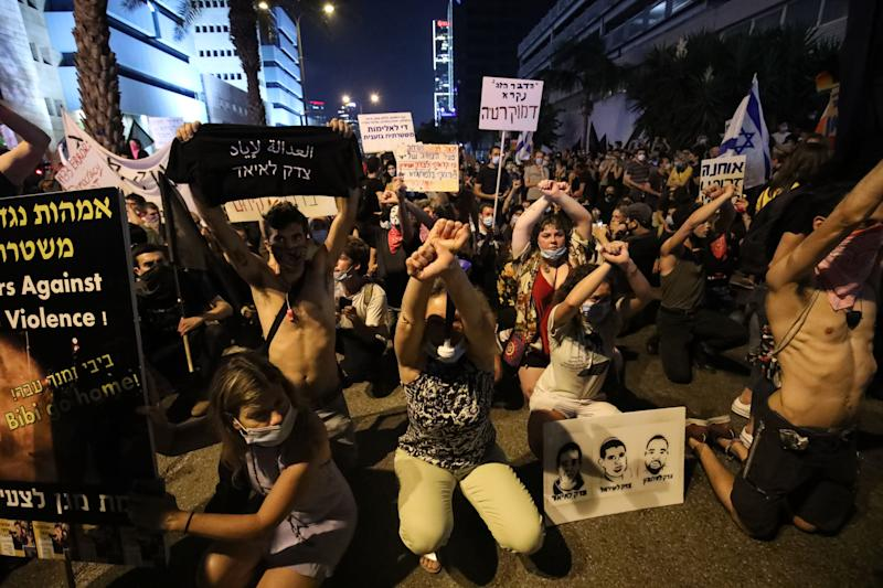 Protest in Tel Aviv (Bild: Mostafa Alkharouf/Anadolu Agency via Getty Images)