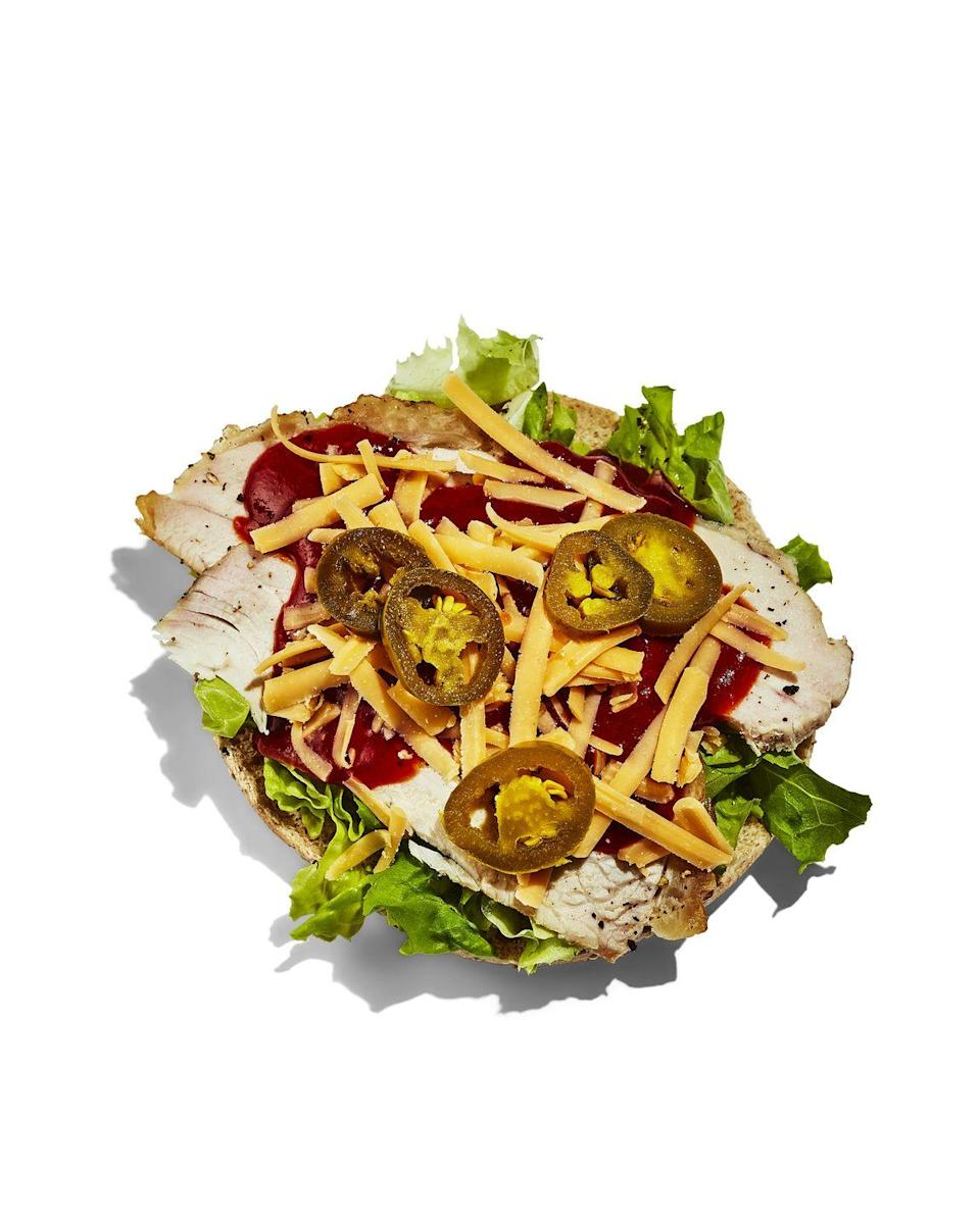 <p><strong>BREAD: </strong>2 sandwich thins</p><p><strong>SPREAD:</strong> ¼ cup BBQ sauce</p><p><strong>TOPPING:</strong> ½ cup grated sharp cheddar cheese + ¼ cup pickled jalapeño slices + 1 cup shredded lettuce</p>