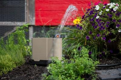 The OtO Lawn smart sprinkler makes it effortless to get the lawn of your dreams in a sustainable way.  OtO is the world's first smart sprinkler that accurately waters and applies treatments for you. The future of lawn care has arrived. (CNW Group/OtO Inc.)