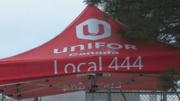 Unifor Local 444 said it reached a three-year collective agreement with Leamington auto parts plant ElringKlinger (Dale Molnar/CBC - image credit)
