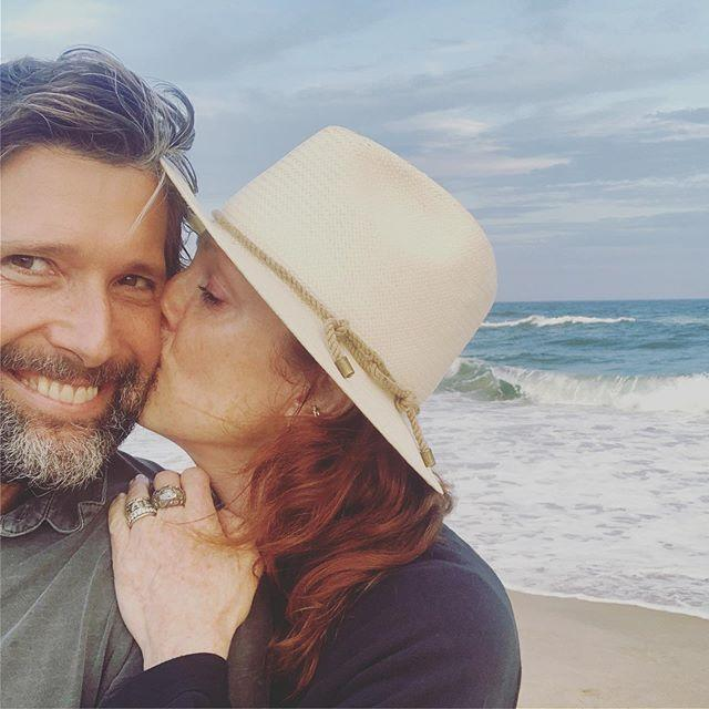"""<p>Moore keeps her skin bare in this ocean-side anniversary pic with husband Bart Freundlich. Paired with beach-y red waves and an ear cuff, you can tell she's leaning into the vacay vibes.</p><p><a href=""""https://www.instagram.com/p/B1iB-jhDEqm/?utm_source=ig_embed&utm_campaign=loading"""">See the original post on Instagram</a></p>"""