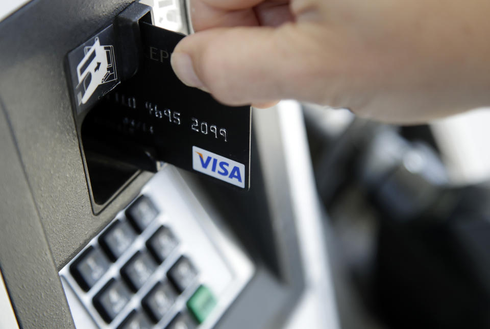 A customer inserts a credit card to buy gas in Haverhill, Mass. (Photo: AP Photo/Elise Amendola, File)