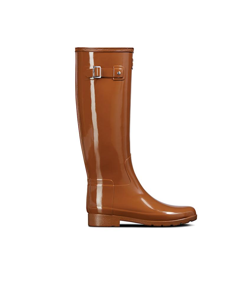"<p>This light-brown boot is for the fashionista at heart. It features a stylish leopard interior lining and has fewer rubber layers, for a slimmer fit. <br />Shop it: Women's Refined Leopard Print Lining Slim Fit Tall Rain Boots in Thicket, $116 (was $165), <a rel=""nofollow"" href=""https://fave.co/2ziS2d3"">hunterboots.com</a> </p>"