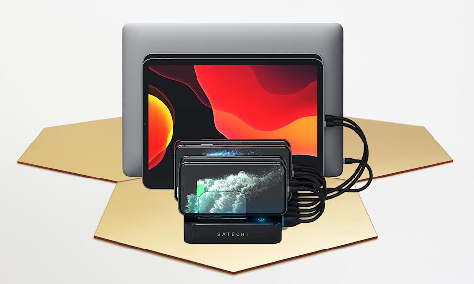 Holiday Gift Guide: Satechi 7-port USB Charging Station Dock