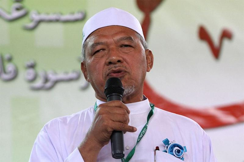 Datuk Ahmad Yakob said today locals in Kelantan do not need cinemas since the social media is already entertaining enough. ― Picture by Yusof Mat Isa