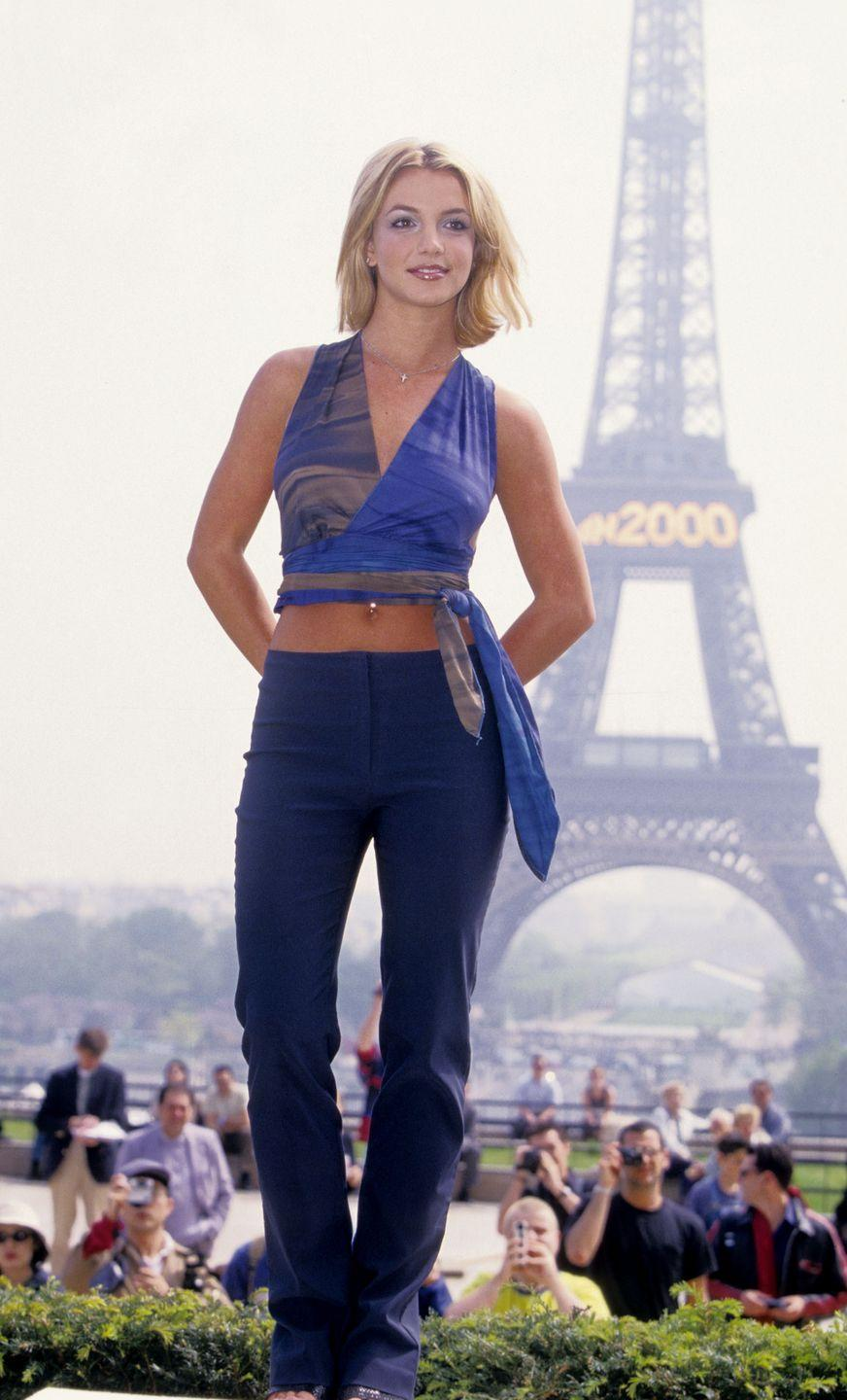 <p>Britney Spears launches her second album, Oops!... I Did It Again at the Eiffel Tower in Paris, France. </p>