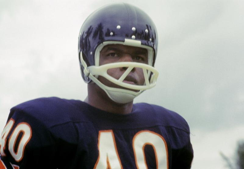 Twitter reacts to the passing of Bears legend RB Gale Sayers