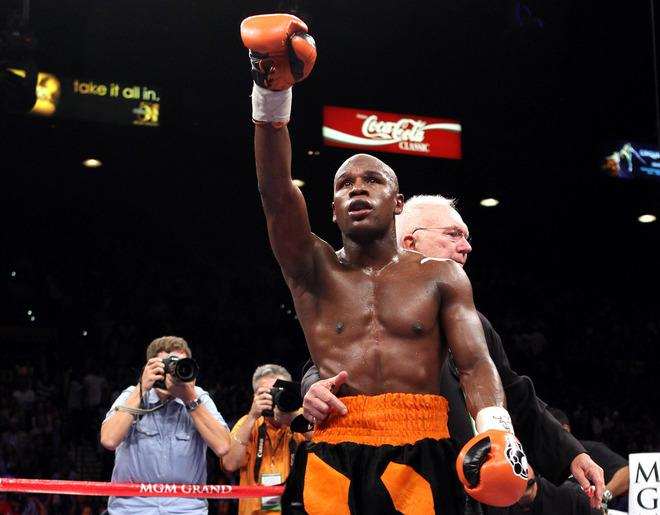 LAS VEGAS, NV - SEPTEMBER 17:  Floyd Mayweather Jr. celebrates after defeating Victor Ortiz by fourth round knockout during their WBC welterweight title fight at the MGM Grand Garden Arena on September 17, 2011 in Las Vegas, Nevada. It was reported that Floyd Mayweather Jr. has been sentenced to three months in jail after pleading guilty to a charge of misdemeanor battery domestic violence and no contest on two counts of harassment against an ex-girlfriend December 21, 2011.  (Photo by Al Bello/Getty Images)