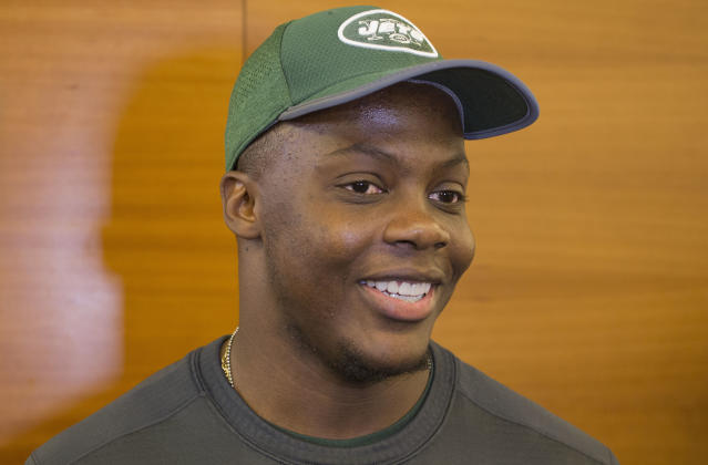 CORRECTS SPELLING TO TEDDY, INSTEAD OF TERRY - New York Jets quarterback Teddy Bridgewater talks to the media at the NFL football team's training camp, Tuesday, June 12, 2018, in Florham Park, N.J. (AP Photo/Mark Lennihan)