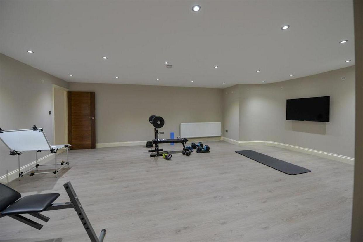 There's also a spacious home gym in the basement. (Rightmove)